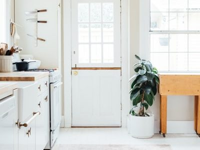 When The Kitchen Is Modern: Recipes From Modern Farmhouse Kitchen Shelves, Laundry and More
